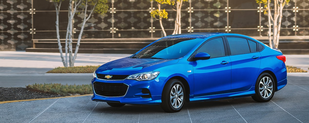 Chevrolet Cavalier 2018 auto familiar color azul eléctrico